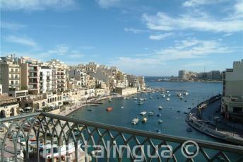 Vista de Spinola Bay do Hotel Juliani