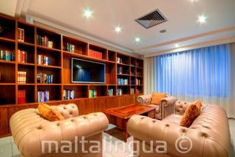Hotel Argento, St Julians Sente na sala de estar