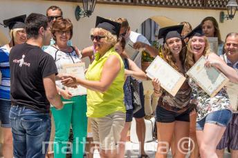 No fim do curso de inglês os alunos recebem um certificado