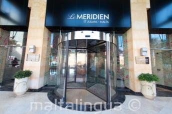 Entrada do Meridien hotel em St Julians