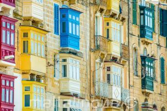 Muitas varandas coloridas em Malta