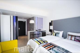 Quarto de hóspedes moderno em Hotel Valentina, Malta