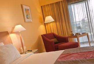 Quarto deluxe em Le Meridien hotel, Malta