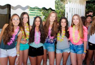 6 meninas na festa de boas vindas