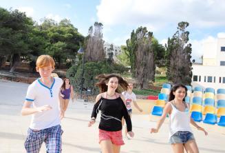 Atividades esportivas na escola de inglês em Malta