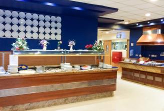 Área de jantar da residência da nossa escola para juniores