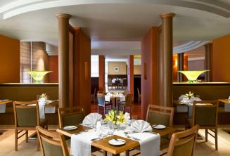 Le Meridien hotel restaurante, St Julians