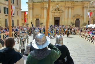 Veja recriações de batalhas em Medieval Mdina